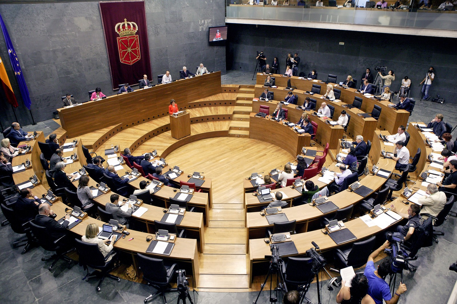 Parlamento de navarra for Parlamento it